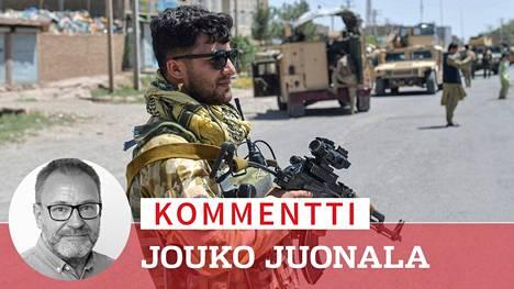 Afganistanin kansallisen armeijan kommandosotilas tehtävässä Heratin maakunnassa 1. elokuuta. Edes hyvin varustetut kommandot eivät kyenneet estämään Talebanin voittokulkua.