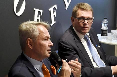 Vihreiden Pekka Haaviston (vas.) ja keskustan Matti Vanhasen vaalibudjetit ovat noin puoli miljoonaa euroa.