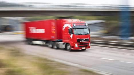 Kuljetusala sanoo aloittaneensa ilmastotalkoot jo 1975, jolloin massoja korottamalla alettiin alentaa polttoaineen kulutusta ja päästöjä kuljetettua tonnia kohden.