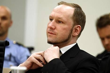 Tarrant nimeää manifestissaan norjalaisen äärioikeistolaisen joukkomurhaajan Anders Breivikin yhdeksi suurimmista inspiraation lähteistään.