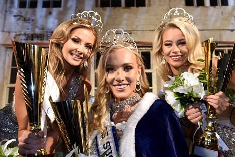 Miss Suomi Anni Harjunpää (kesk.) ja perintöprinsessat Riikka Uusitalo (vas.) ja Jutta Kyllönen (oik.).