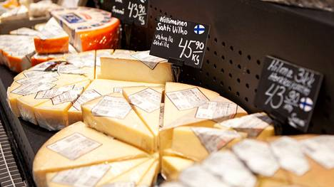 K-Citymarket Eastonin herkuttelujuustovalikoima käsittää yli kaksisataa erilaista juustoa.