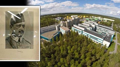 Oulun yliopiston päärakennus.
