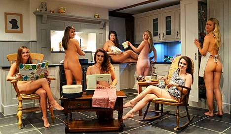 Kotijumalattaret Sophie Smith, Clare Morton, Jenny Islip, Hannah Price, Hannah Molyneux, Elie Sear, Sophie Willmott.