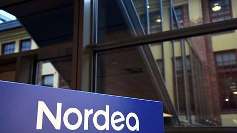 Nordea pahoittelee väärin kirjautuneita korttimaksuja.