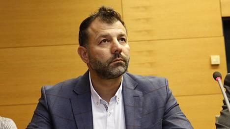 Rami Adhamia koskevia syytteitä käsiteltiin Helsingin käräjäoikeudessa kesäkuussa.