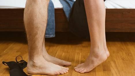 Sekä miehet että naiset voivat tietoisesti vahvistaa lantionpohjalihaksiaan erilaisilla harjoituksilla.