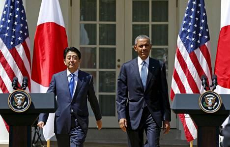Obama vierailee Hiroshimassa pääministeri Shinzo Aben kanssa Valkoisen talon lehdistösihteerin mukaan vierailu korostaa myös merkittävää muutosta Yhdysvaltain ja Japanin kahdenvälisissä suhteissa.