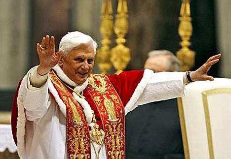 Paavi Benedictus XVI ilmoitti tammikuussa kumonneensa neljälle piispalle 21 vuotta sitten julistetun pannan.