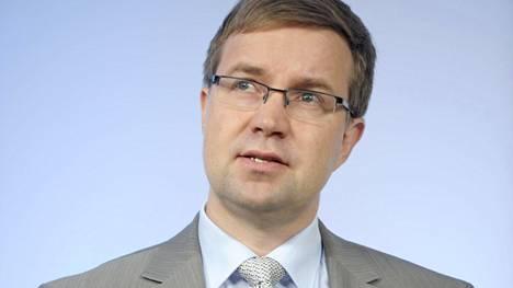 Ennen Tietoa Lasse Heinonen on ollut lentoyhtiö Finnairin talousjohtajana ja varatoimitusjohtajana sekä Cargo & Aviation Services yksikön liiketoimintajohtajana.