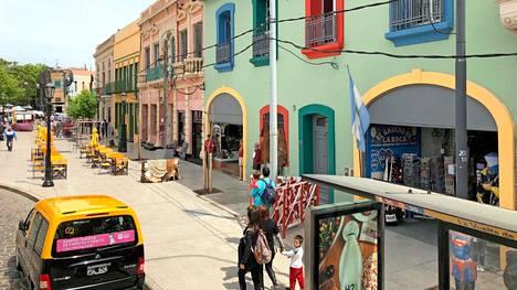 Buenos Airesin kauniit ja hyvin hoidetut rakennukset huokuvat vanhaa.