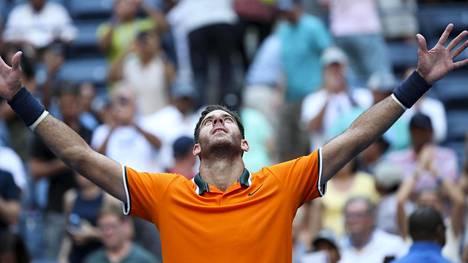 Helle piinaa tenniksen Yhdysvaltain avoimissa – amerikkalaistähti vaihtoi paidan uuvuttavassa taistossa 11 kertaa