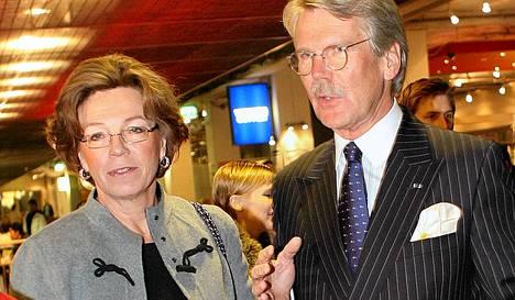 Saara ja Björn Wahlroos.