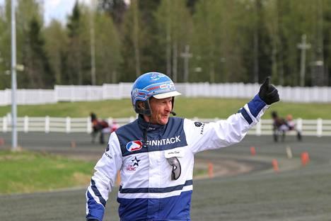 Pekka Korpi tuuletti Kuopio Stakesin voittoa.
