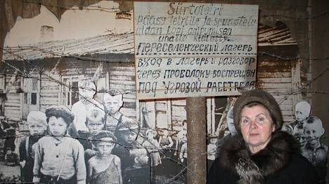 Klavdija Njuppijeva on Venäjän Karjalassa yksi tunnetuimmista aktivisteista, joka on ajanut suomalaisten keskitysleireillä olleiden siviilivankien asiaa.