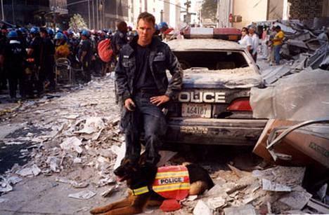 Sankarikoira Trakr löysi World Trade Centerin raunioista viimeisen henkiinjääneen ihmisen 27 tuntia kaksoistornien sortumisen jälkeen.