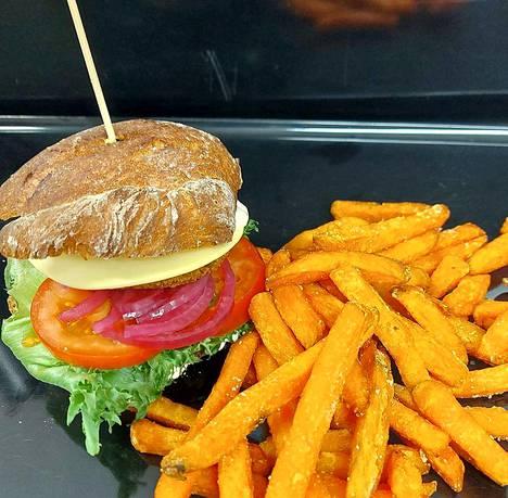 La Kar de Mummassa Hartolassa burgerit tehdään alusta asti itse.