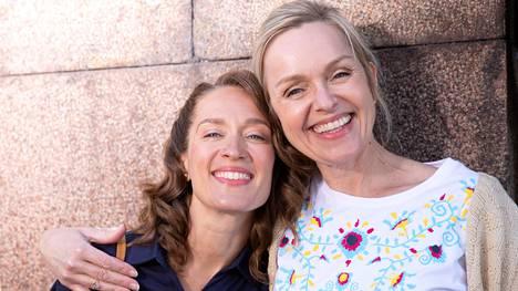 Anu Sinisalo ja Elsa Saisio kommentoivat, millaista on kuvata lastenelokuvaa.
