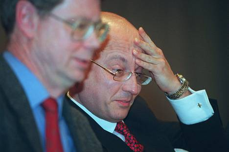 Sergei Karaganov kuvattuna Nato-seminaarissa yhdessä Jaakko Laakson kanssa vuonna 1997.