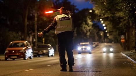 Kahden viikon aikana jäi kiinni rattijuopumuksesta yhtä monta kuskia kuin viime vuonna vastaavissa ratsioissa.