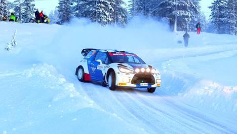 Valtteri Bottas ajoi Rovaniemellä Tunturirallissa alkuvuodesta 2020.