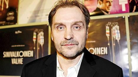 Arto Halonen ohjasi Sinivalkoinen valhe -dokumenttielokuvan.