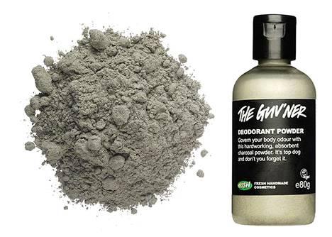 The Guv'ner on imukykyinen deodoranttipulveri, jossa on soodaa, liekopulveria, patsulia, puuhiiltä ja salviaa. Tuloksena on pitävä deodorantti, jonka teho on testattu kainalokokeissa. 12,95 €, Lush.