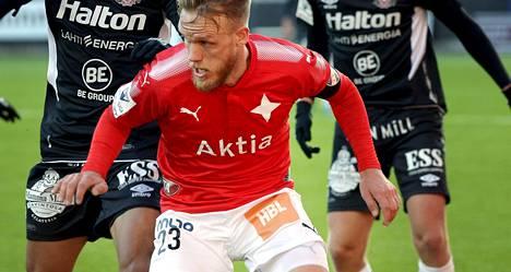 HIFK kaipaa lisää rahaa kassaansa. Kuva HIFK:n ja FC Lahden välisestä pelistä 24.4.2017.