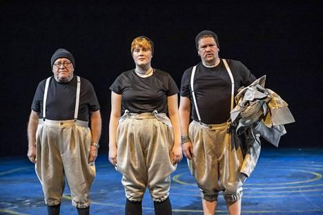 Osmo Haapasalo, Selma Haapasalo ja Ville Haapasalo nousevat yhdessä Lahden Kaupunginteatterin näyttämölle.