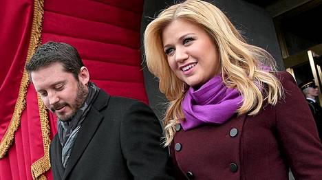 Poplaulaja Kelly Clarkson avioitui Brandon Blackstockin kanssa lokakuussa.