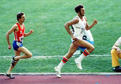 Juantorena juhli 800 metrin olympiavoittoa Montrealissa 1976.