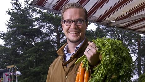 Kirjailija Joonas Konstig oli nuorempana vegetaristi. Nyt hän kummastelee, että kasviksia pidetään kiltteinä ja lihaa pahiksena.