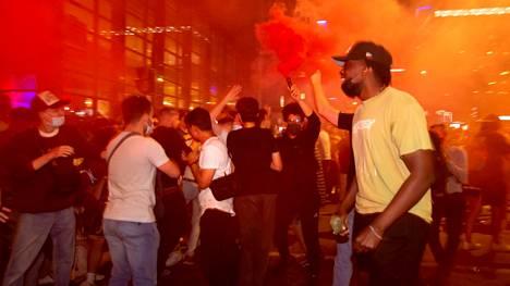 Fanit juhlivat finaalipaikkaa Montrealin kaduilla.