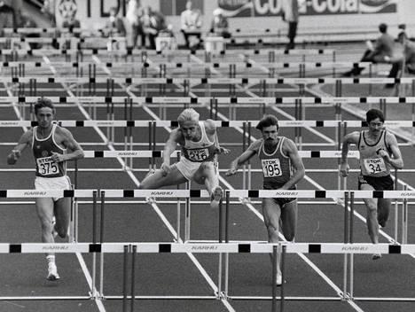 Arto Bryggaren (toinen vas.) urheilu-uran kohokohta oli 110 metrin aitajuoksun MM-hopea Helsingissä 1983. Samoissa kisoissa hänen nykyinen puolisonsa, DDR:ää edustanut Heike Daute (nyk. Drechsler-Bryggare) voitti pituushypyn vain 18-vuotiaana.