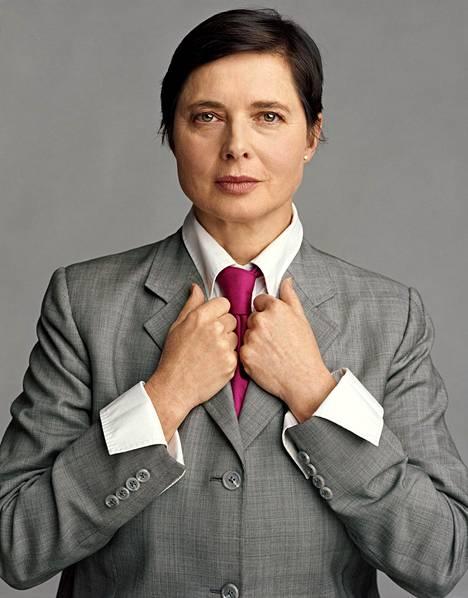 Isabella Rossellini sai huomata, ettei kosmetiikkajätti enää halunnut yli nelikymppistä keulakuvaa.