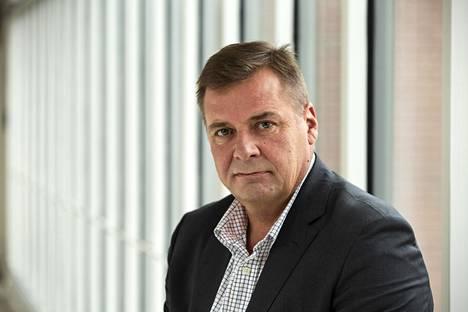 Tuusulan pormestari Arto Lindberg uskoo, että kunta ottaa samat rajoitukset käyttöön kuin pk-seutu.