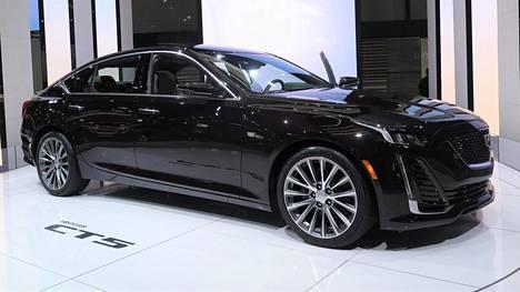 Cadillac CT5:n keulaan on lainattu piirteitä yhtiön viime vuosien muotoilututkielmista.