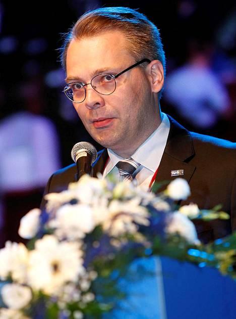 Kansanedustaja Jussi Niinistö (ps) on huolissaan Palefacen osallistumisesta Suomen 100-vuotisjuhlien suunnitteluun.