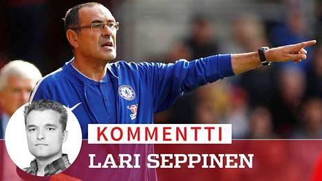Chelsean Maurizio Sarri pukeutuu kuin boheemi ja valmentaa kuin nero.