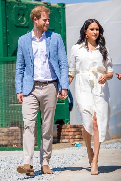 Harry on ollut uskollisesti vaimonsa tukena rankan oikeuskäsittelyn ajan.