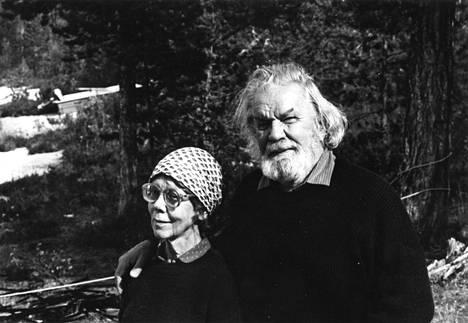Rut Bryk ja Tapio Wirkkala olivat kummatkin luontoihmisiä.