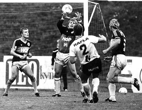 Palmroos torjui HJK:n Suomen mestariksi neljä kertaa. Kuva mestaruuskesältä 1985.