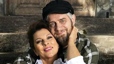 Satu Silvon ja Reidar Palmgrenin tiet kohtasivat Yhdestoista hetki -näytelmän harjoituksissa Savonlinnassa reilut 10 vuotta sitten.