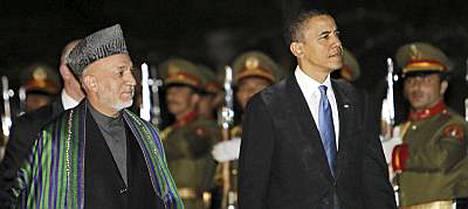 Barack Obama tapasi Afganistanissa muun muassa presidentti Hamid Karzain.