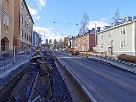 Työmaa haittaa tällä hetkellä liikennettä muun muassa Pirkankadulla.