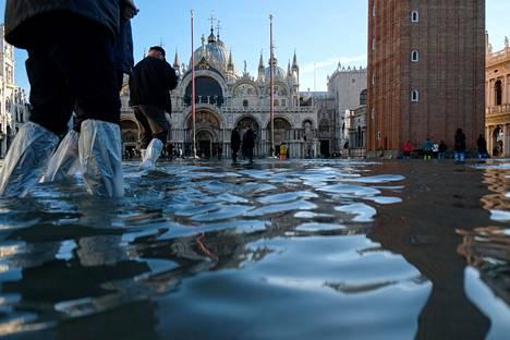 Tulvat ovat Venetsiassa säännöllisiä, mutta nyt ne ovat nousseet tavanomaista korkeammalle tasolle.