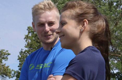 Illan jaksossa Tanja vie Ronin tutustumaan Nummelan lenkkeilymaastoihin.