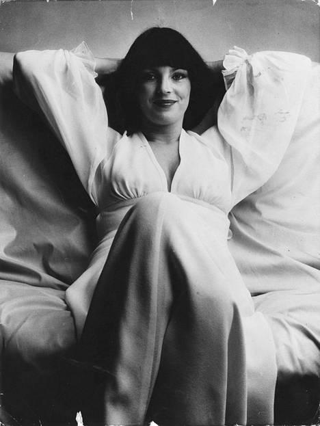 Kamera on aina rakastanut Paulaa. Kuva vuodelta 1976.