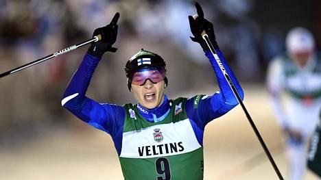Eero Hirvonen nousi väkevästi hiihto-osuudella.