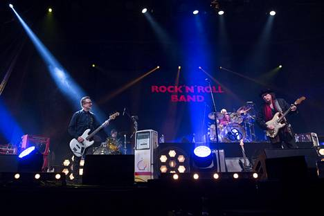 Myös Rock'n'roll Band nousi lavalle Remun kunniaksi.